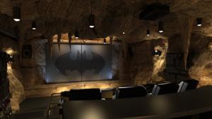 Прикрепленное изображение: bat_cave_home_theater.jpg
